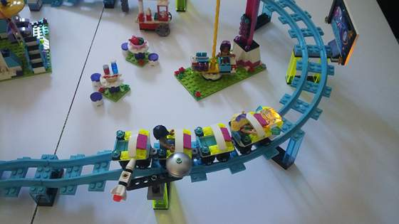 14-LEGO-FRIENDS-41130-vidamparki-kalandok.jpg
